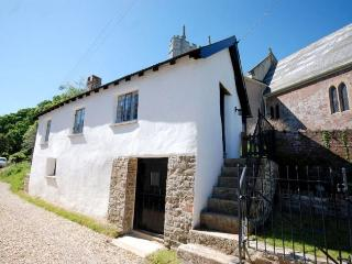 MARYS Cottage situated in Exeter (7mls W)