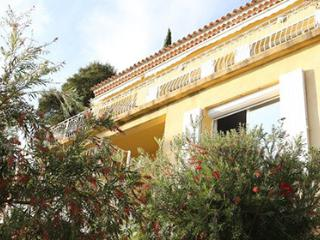 Dartagnan 93762 villa with swimming pool with Jacuzzi, 300 mtr. from beach