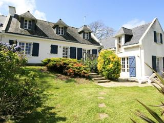 Mystique 33538 villa with indoor heated pool of 7.5 x 3.2 mtr, jacuzzi and sauna, Finistere