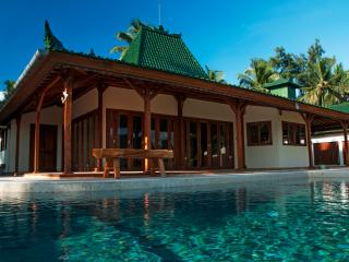 Nautilus SeaView Villa By 7SEAS Gili Air