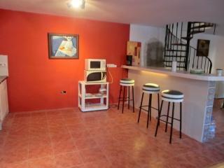 CALAHONDA CHALET C.JAEN, VERANO/INVIERNO, Nueva Andalucia
