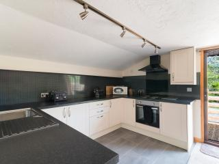 Newly refurbished well equipped kitchen