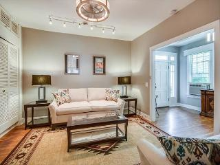 1 BR, The Writers Room, Songwriters Paradise, Great Walkable Location!