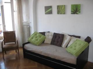 Studio climatisé dans immeuble de standing