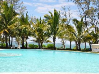 Superb Villa Right on beach, Belle Mare
