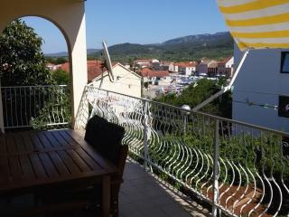 Spacious Ap. Offering Sea & City View!, Stari Grad