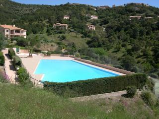 Maison jumelée dans résidence avec piscine F79, Les Issambres