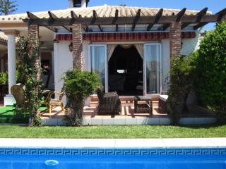 Chill out terrace opening to pool Holiday rental villa near Marbella