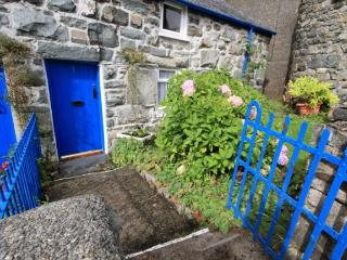 Traditional Welsh Cottage at Trawsfynydd Snowdonia