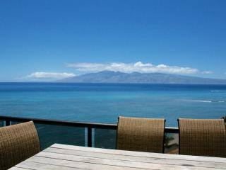 Beach Front Penthouse with Spectacular Views!!!, Lahaina