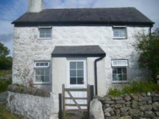 Hen Siop Cottage Snowdonia, Llanllyfni