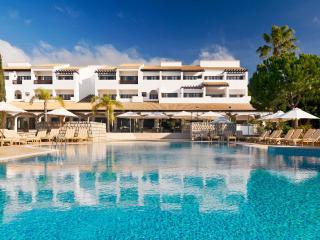 Sheraton Pine Cliffs Resort Golf Suite, Albufeira