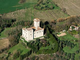 Colonica Torre del Castellano, Leccio