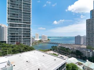 Viceroy 2 bed 1 bath on the 18th floor!, Miami