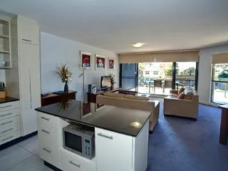 Apartment 201, Forster