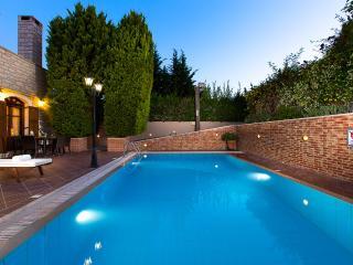Villa Myrtia-Family villa with private pool