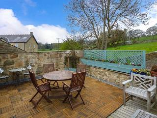 MONKSMOOR HOUSE, character cottage, woodburner, WiFi, country views, close to amenities, in Middleton-in-Teesdale, Ref. 917583