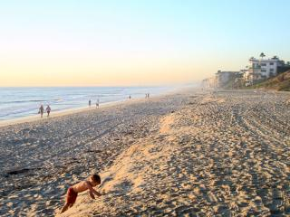 BEACH COTTAGE, 1 BLK TO CARLSBAD BEACH & VILLAGE!!, Carlsbad