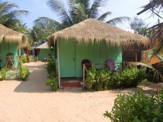 Budget huts - DucknChill-Agonda
