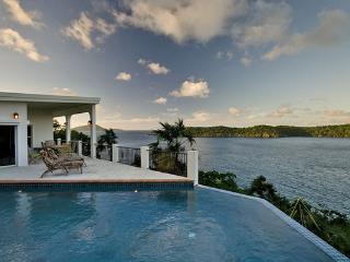 None MA POM, Charlotte Amalie