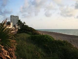 Two Bedrooms - Located on Hollywood Beach Broadwalk