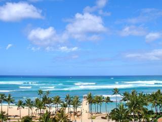 Fully Stocked Waikiki Beach Suite!, Honolulu