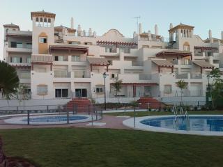 Vivienda en playa, con piscina y pista padel, WIFI, Sanlúcar de Barrameda
