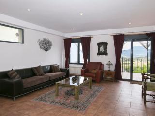 Casa 220 m2 luminosa para 8 pe, Larrés