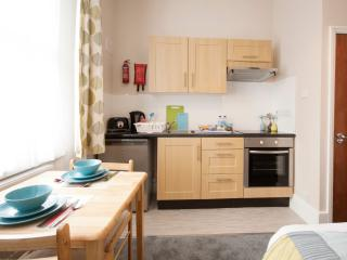 1 Bed Apartment Finsbury Park, London