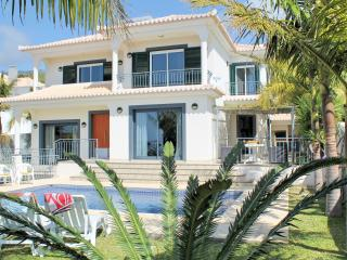 Casa de Sonho - lovely villa with heated pool, Ponta Do Sol