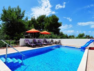The big pool with toboggan