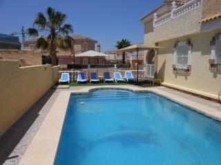(536) Casa Anne 3 bed villa private pool air-con Wi-Fi near amenities