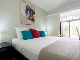 Stunning 1 bedroom or 2 bedroom apartments, Palm Cove