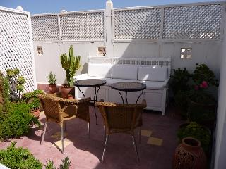 La Porte Bleue: charming riad for 6, old medina., Essaouira