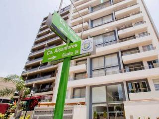 MIRAFLORES-3 BEDROOMS-2.5 BATHROOMS, Lima