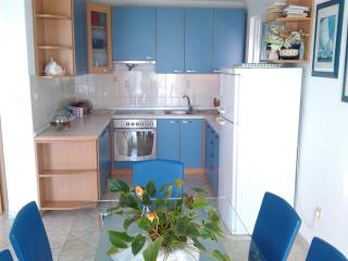 Spacious sea view 6+2 apartment, Makarska