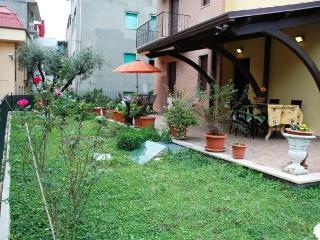 APPARTAMENTO NUOVO CON AMPIO PORTICATO E GIARDINO, San Benedetto del Tronto