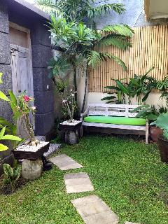 Mango Leaf Private Villa - Garden Entrance