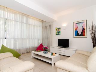 Emanuel Haromi - Quiet 2 Bed & 2 Bath Apartment, Tel Aviv