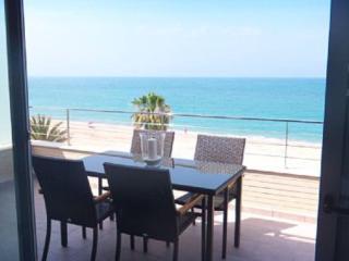 Apartamento nuevo en primerisima linea de playa, Denia