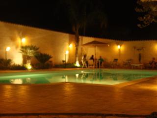 Bellissima casa vacanza sul mare con piscina, Triscina