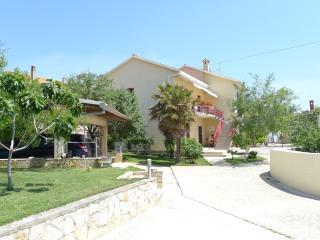 LacoDeLama south of Istria, Liznjan