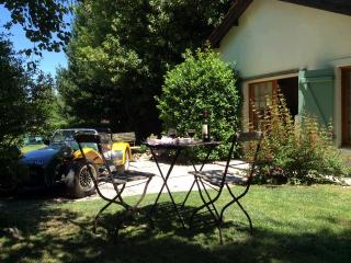 L'Olivier- comfortable well equipped 2 bedroom gite with private garden area