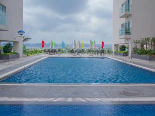 Luxury 2 Bedroom Apartment with Seaview