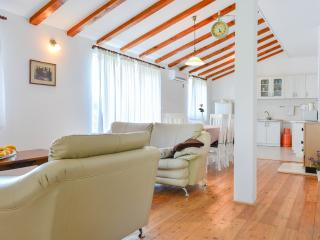 Bright family apartment, Kastel Novi