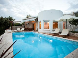 Villa Mare with pool and sea view