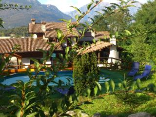 vacanze lake como B&B bed and breakfast casa del viandante -rosa