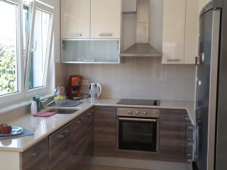Croatia/Trogir Lux 3 bedroom apartment  -beach 80m, Okrug Gornji
