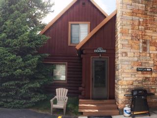 Cabin 126 - The Yellowstone