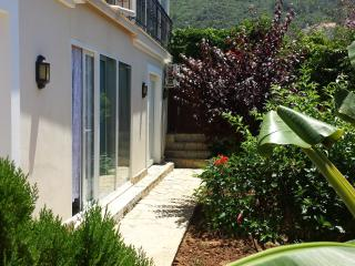 1 BEDROOM LUXURY APARTMENT IN OLUDENIZ WITH  POOL, Ölüdeniz